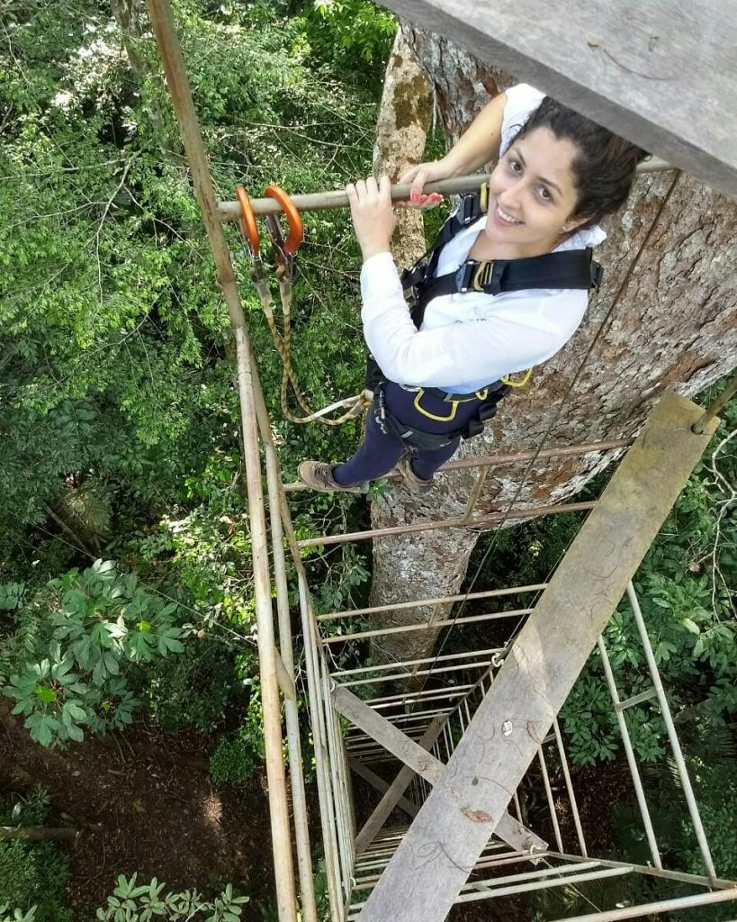 Debora Pinheiro studies VOC emissions in the Amazon