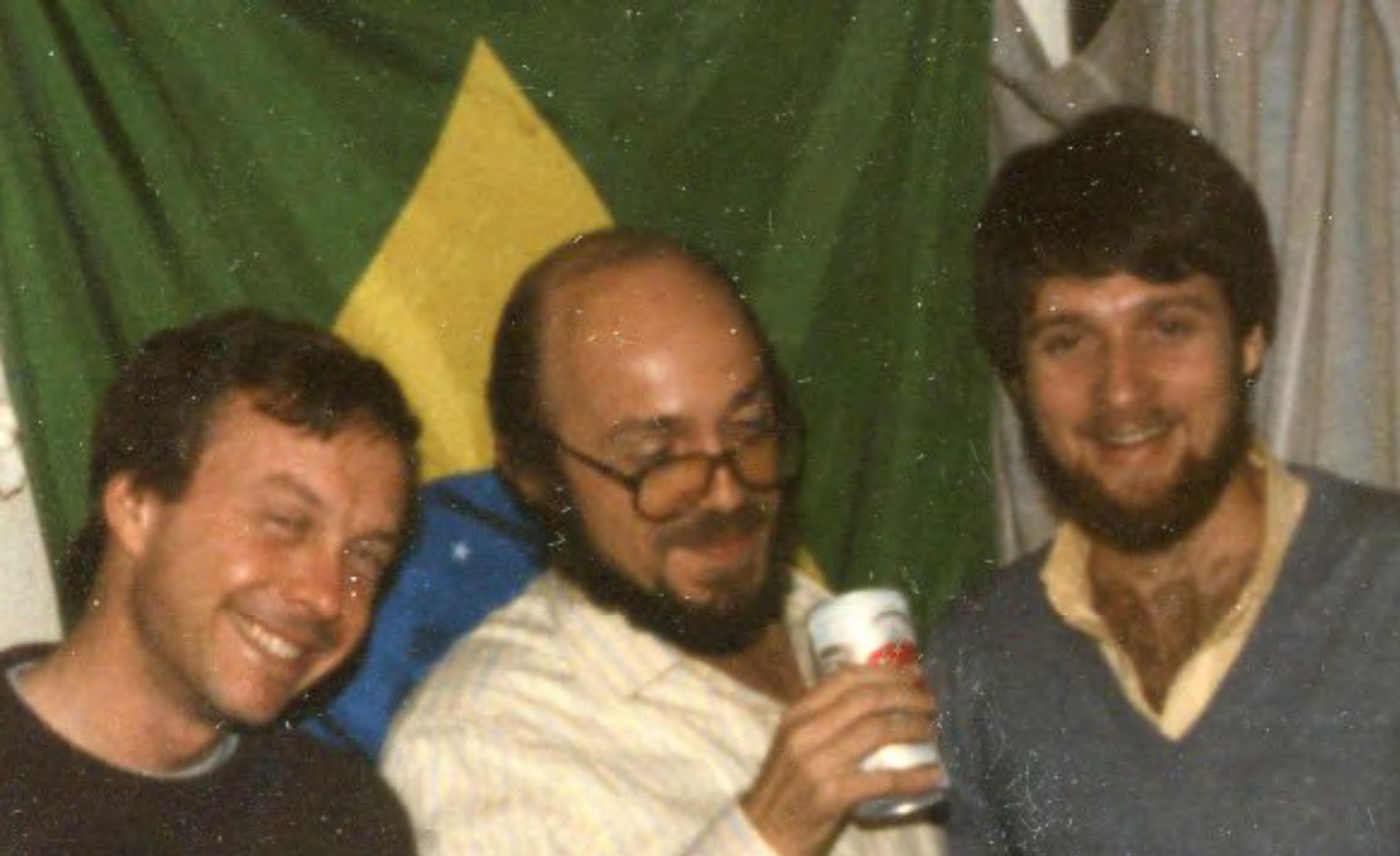 "<span  class=""uc_style_uc_tiles_grid_image_elementor_uc_items_attribute_title"" style=""color:#ffffff;"">Me with Leonardo Sá some time in the 80s.</span>"