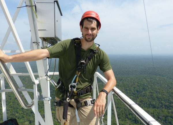 PhD student Sebastian Donner works with the MAX-DOAS method to measure atmospheric trace gases